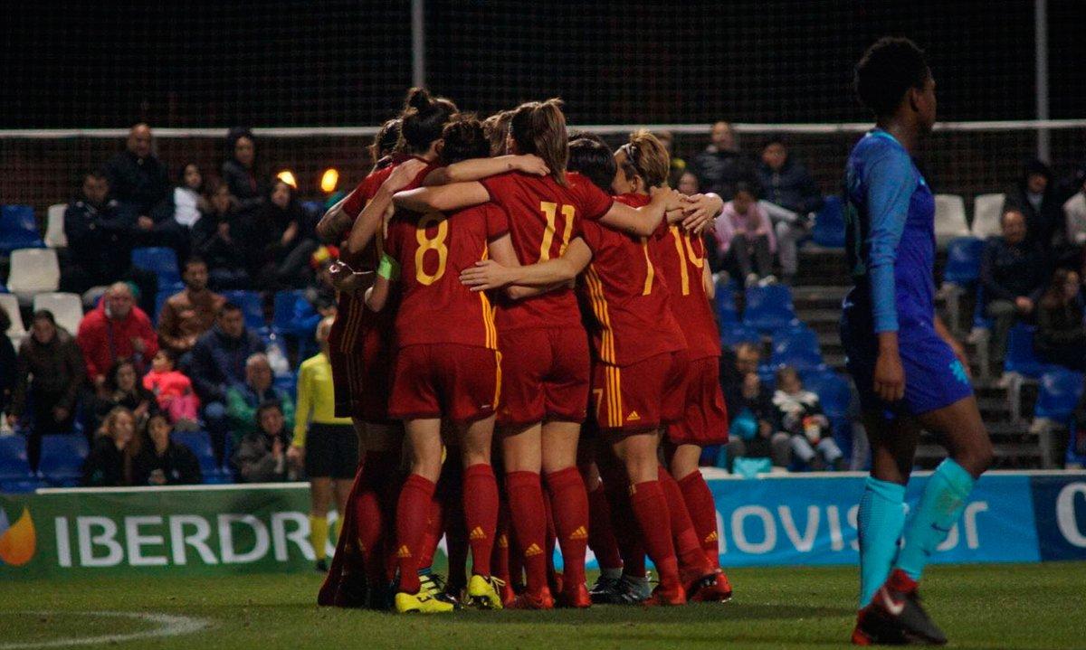 Gran victoria de españa ante holanda por 2-0