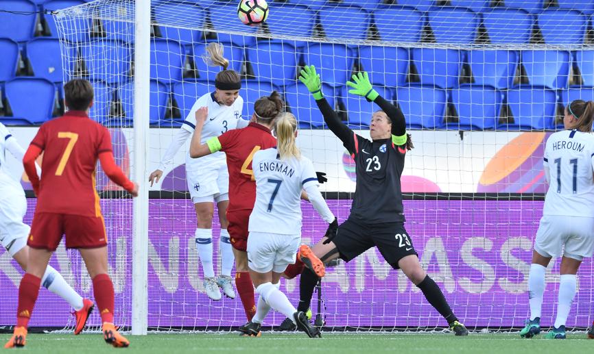 España gana su cuarto partido consecutivo en la fase de clasificación