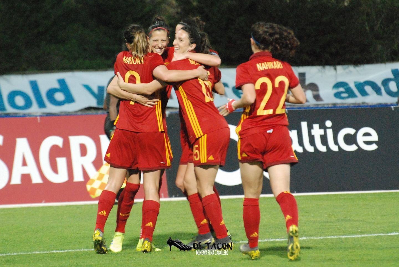 España vence a Holanda 2-0