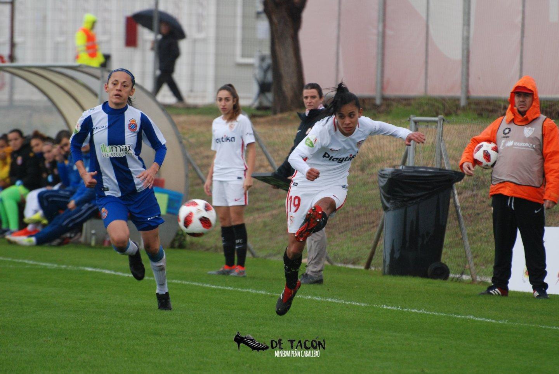El Sevilla recibió bajo la lluvia al RCD Espanyol