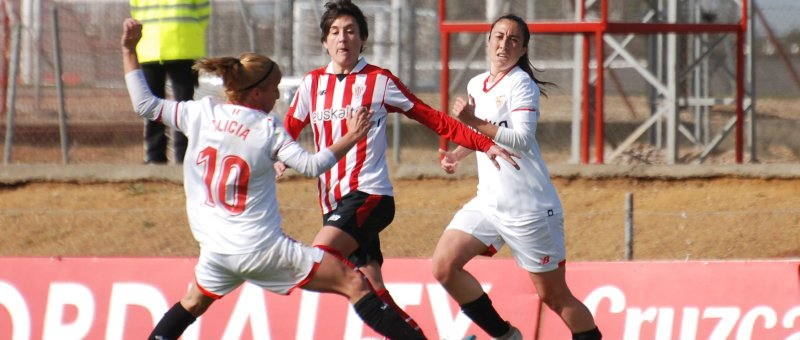Alicia, Erika Vázquez y Andrea en el choque del Sevilla vs Athletic Club de la temporada 2017/18