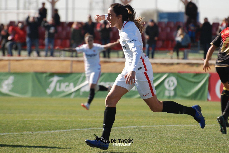 Maite Albarrán celebra su gol ante el Rayo Vallecano