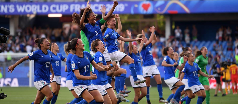 Italia pasa a cuartos tras 28 años de ausencia